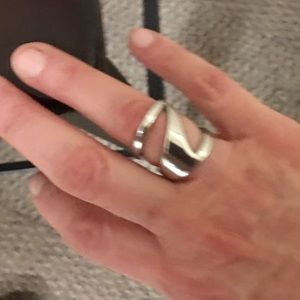Vince Camuto Silver Ring. Size 7. NEW. Modern.